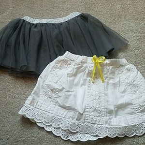 Other - 🦉 2 Skirts size 2T